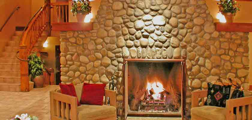 canada_big-3-ski-area_banff_caribou_lodge_lounge.jpg
